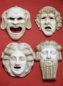 14964017-antiken-griechenland-theatermasken-in-marmor